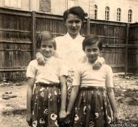 Gitta Rupp (front right) with her mother Paula and her older sister Pauli. Picture taken circa 1955