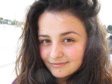 Suela Stafa, 16