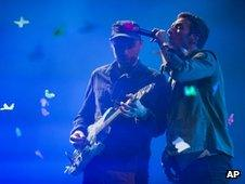 Johnny Buckland and Chris Martin from Coldplay