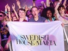 Crowds watch Swedish House Mafia at Radio 1's Hackney Weekend