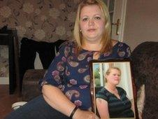 Leigh Payne with photo of Stacey Muldoon