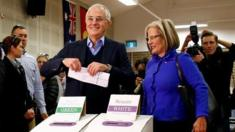 Prime Minister Malcolm Turnbull and his wife Lucy cast their ballots in the Sydney electorate of Wentworth