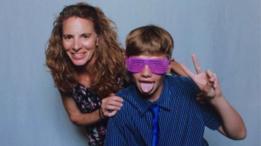 Karen Wischmeyer con su hijo