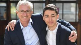 El cardiólogo David Wald con su hijo de 16 años, Ben.