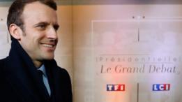 Emmanuel Macron de perfil.