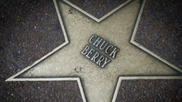 Estrella de Chuck Berry en el paseo de la fama de Delmar Loop Walk en University City, Misuri.