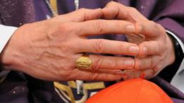 Manos de obispo