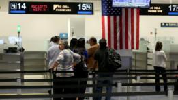 Punto de control de pasaportes del aeropuerto de Miami