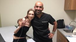 Rachael Farrokh y el doctor Hassan Badday