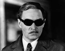 Vyacheslav Tikhonov como Stierlitz