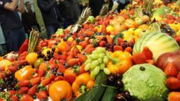 تناول الخضروات والفواكه مفيد للصحة