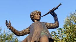 Estatua de Peter Pan en los Kensington Gardens de Londres