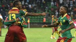 Jugadores de Camerún celebran