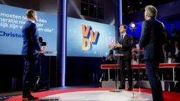 رئيس الوزراء الهولندي مارك روته في مناظرة انتخابية