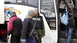 مسلحو المعارضة يصعدون إلى الحافلات
