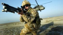 عسكري بريطاني