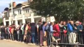Hundreds wait at Presevo's registration centre