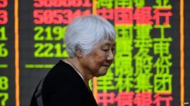 Investor at Chinese stock market