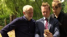 Jeremy Corbyn (L)