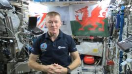 Maj Tim Peake with the Welsh flag