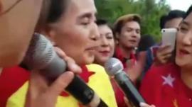 Aung San Suu Kyi singing