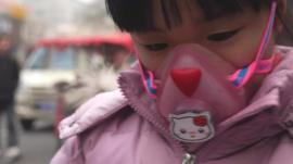 Girl wearing anti-pollution mask