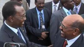 Idriss Deby greets Omar al-Bashir in Ndjamena (21 July 2010)