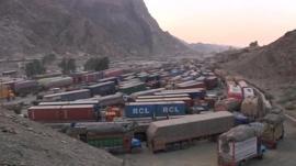 Tailbacks of vehicles at the Pakistan border