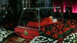 Kim Jong-il's body lying in state