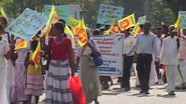 Marches in Sri Lanka as UN urges war crimes probe.