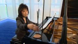Noriko Ogawa plays the Myochin Hibashi