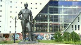 Donetsk statue of John Hughes