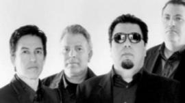 Los Lobos band