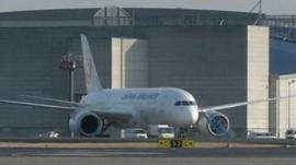 Grounded Japan Airlines 787 Dreamliner