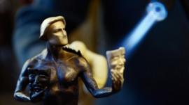 'Actor' statuette under construction