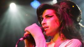 Amy Winehouse performs