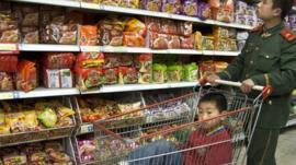 Shopper in Carrefour, Beijing