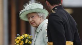 Queen at Woolwich barracks