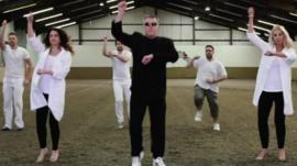 Gangnam Style - school style