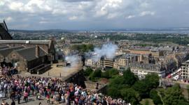 Fireworks and the one o'clock gun at Edinburgh Castle