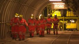 Women visit Kellingley Colliery