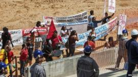 Protesters in Arena Pantanal stadium