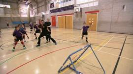 Tchoukball players