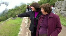 Roxana and Gloria Abril visiting the Incan citadel
