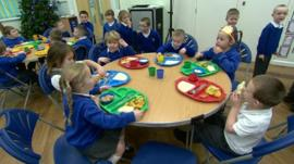Pupils eating lunch