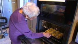 Lyn Isden cooking