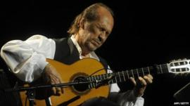 Spanish guitarist Paco de Lucia performs on stage during the 37th Jazz Festival of Vitoria on July 20, 2013