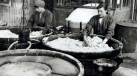 Women making porridge