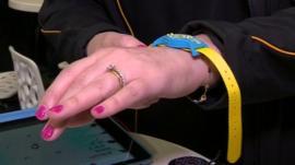 Sun exposure monitoring wrist band