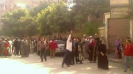 Families outside Minya court